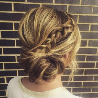 Unique Bun Hairstyles Ideas That Youll Love47