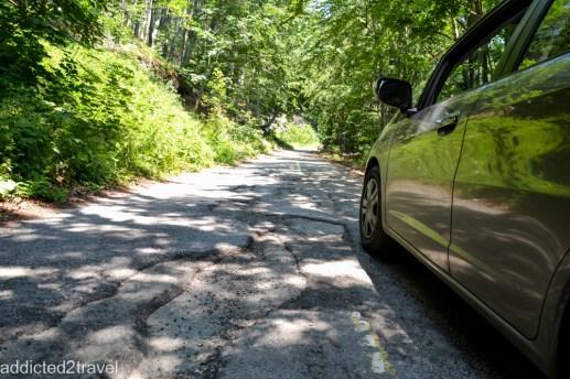 droga dojazdowa jest bardzo złej jakości