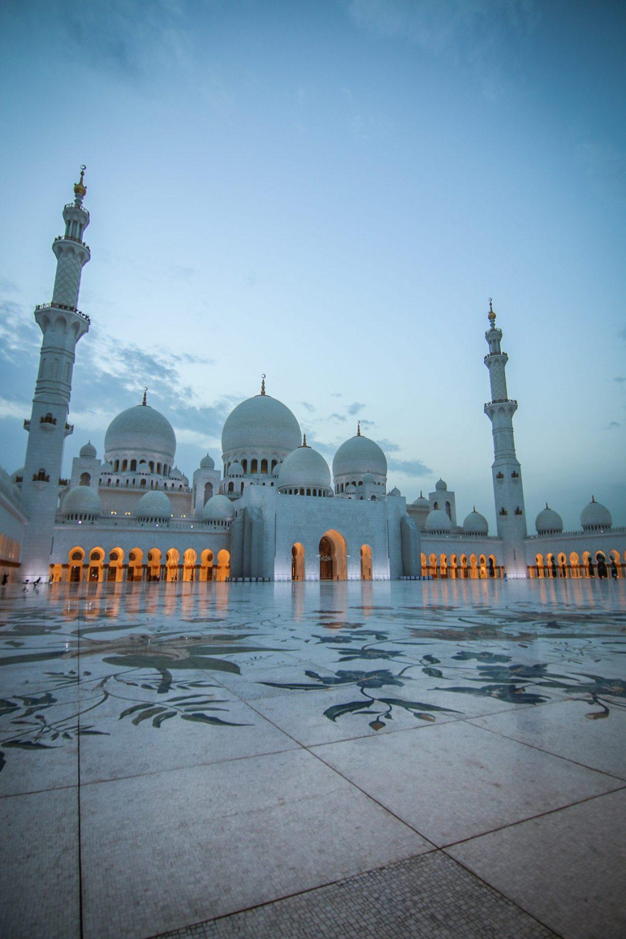 abu_dhabi_atrakcje_meczet_szejka_zajeda