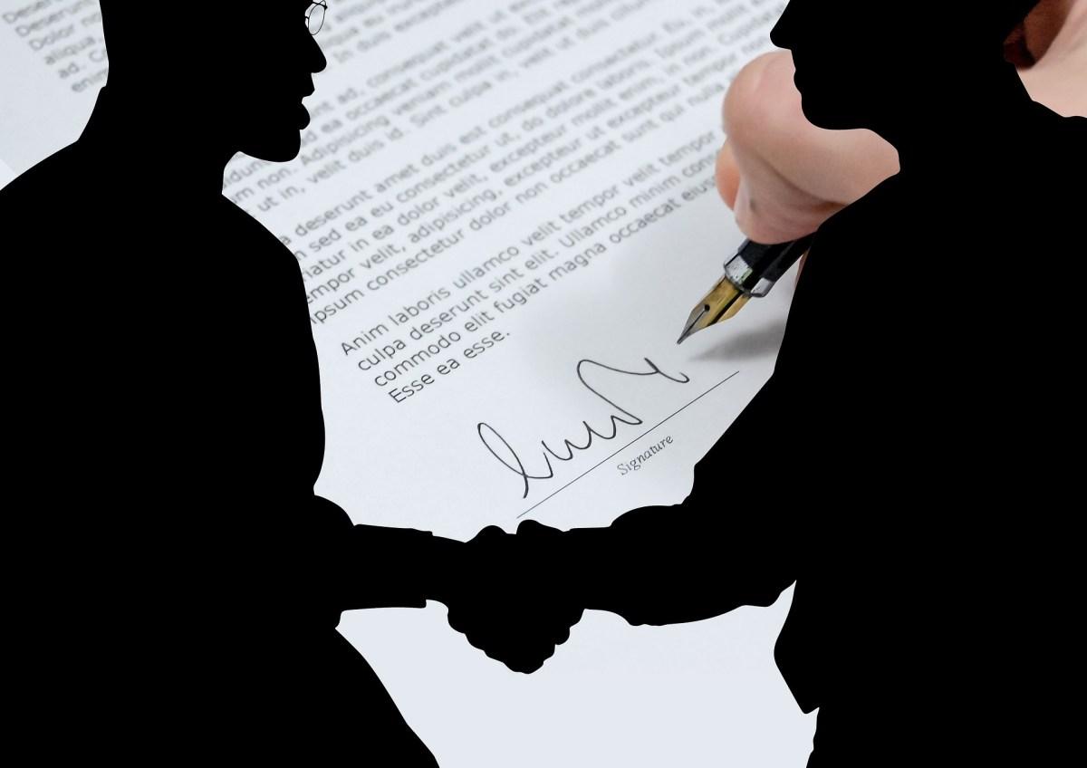 signer un contrat de franchise