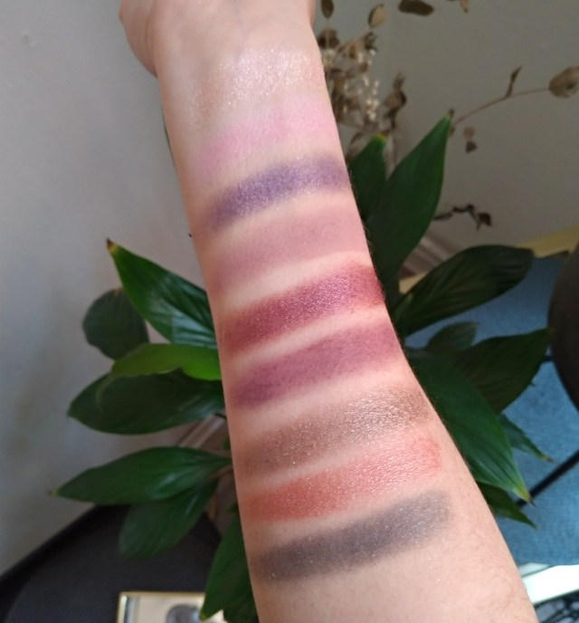 swatch eyeshadow palette romance