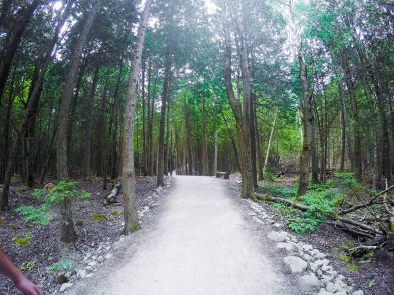 Bruce Peninsula National Park Hike