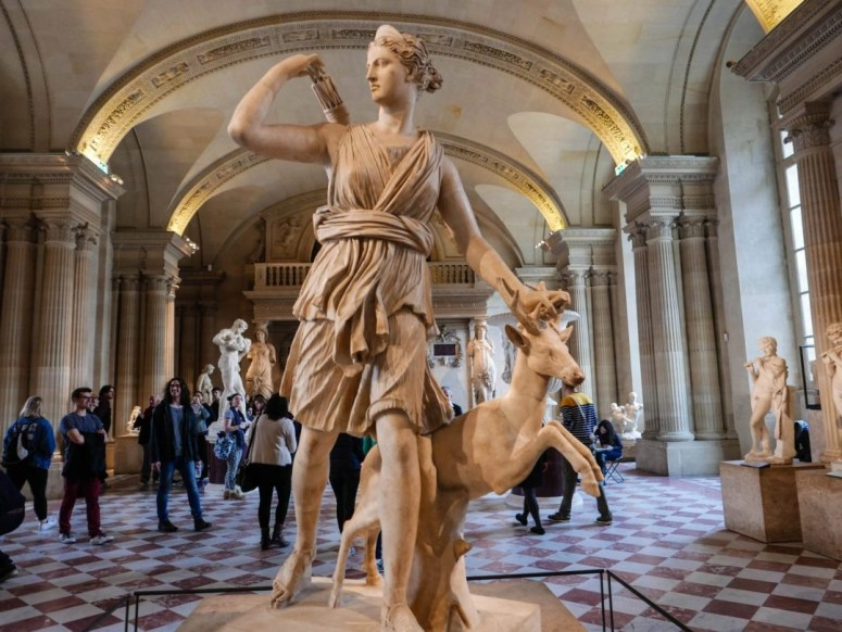 The Louvre in Paris is one of the best museums in the world, but it's also huge! Here's a tip on how not to get lost in the Louvre. • What to do in Paris, France