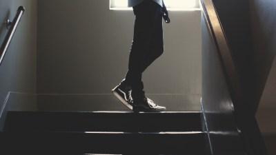 Top 5 SAT Prep Tips: High School Kid on Staircase