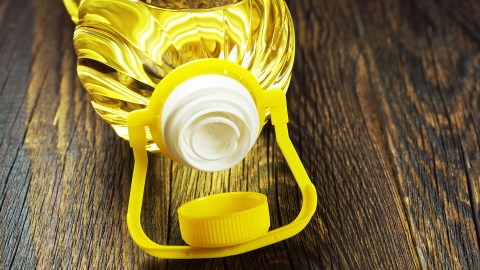 Canola oil, food with a lot of omega-3