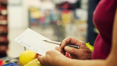 ADHD moms often have trouble planning meals because they forget what to buy or feel overwhelmed by all the choices at the store. Create index cards of meals you'd like to prepare that include a list of the ingredients. Keep the cards in your purse so they're handy when you get to the store. When you shop, stay focused—and save money on impulse buys—by only purchasing what's on the cards.