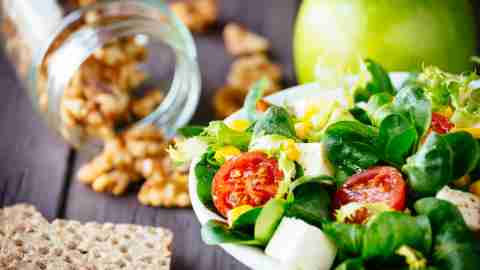 Walnuts, a salad, and an apple: all healthy foods for people with ADHD