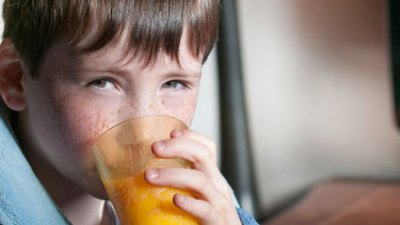 """You shouldn't take ascorbic acid or vitamin C an hour before and after you take medication. ADHD stimulants are strongly alkaline and cannot be absorbed into the bloodstream if these organic acids are present at the same time. High doses of vitamin C (1000 mg.), in pill or juice form, can also accelerate the excretion of amphetamine in the urine and act like an """"off"""" switch on the med."""