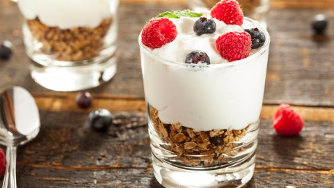A yogurt parfait, an example of ADHD recipes for dessert that are low in sugar