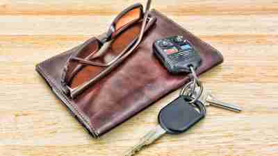 Sunglasses, wallet and car keys belonging to person with ADHD