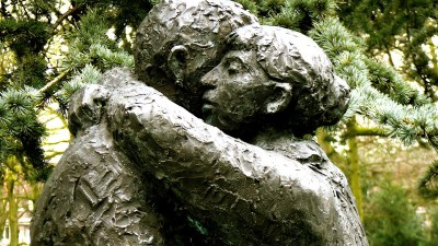 Pick your battles and learn to forgive, like this statue of a man and woman