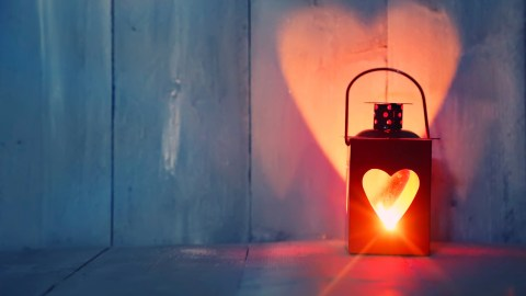 A lantern with a heart cutout, a symbol of hope for people diagnosed with ADHD