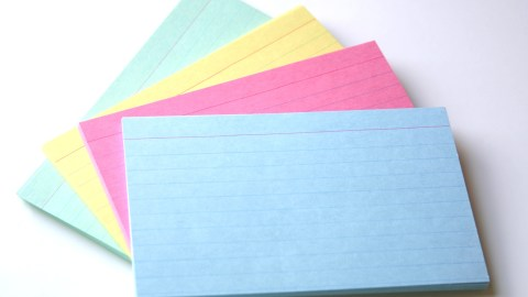 Index cards, a simple organization hack to keep track of tasks