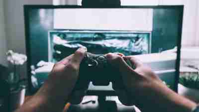 Help chronic procrastinators break away from video games with these tips.