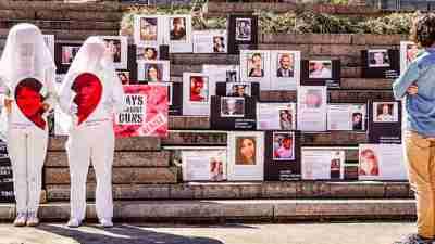 Memorial to victims of school gun violence