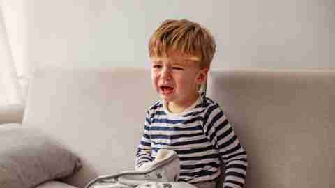 A toddler upset and crying. Extreme emotionality is one sign of ADHD in toddlers.
