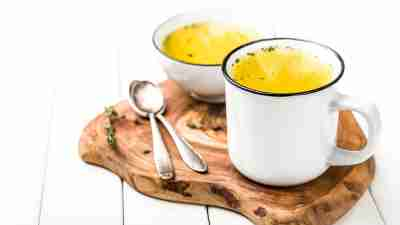 soup in a mug and in a bowl