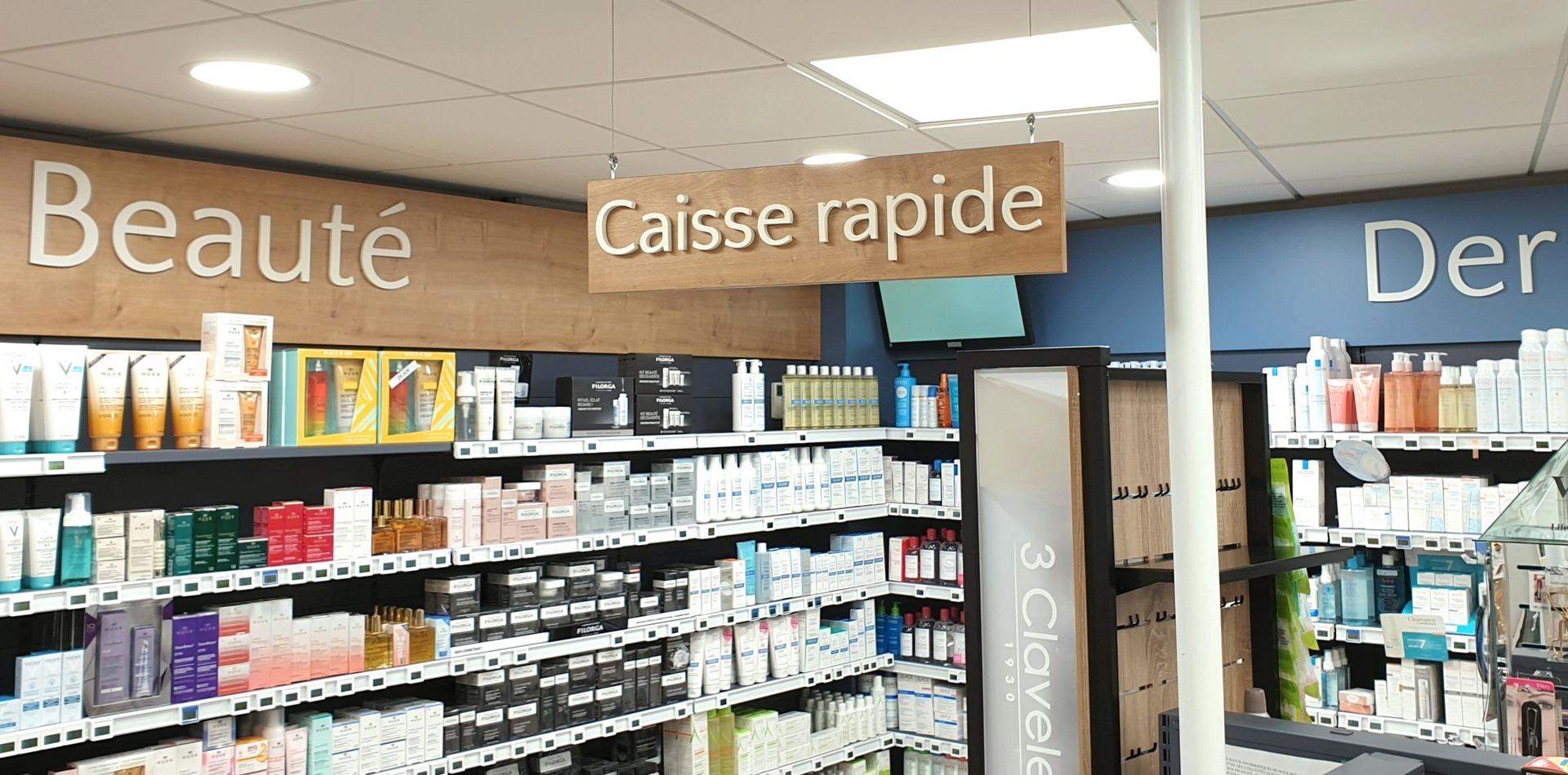 Pharmacie relookée par Adeco Breizh