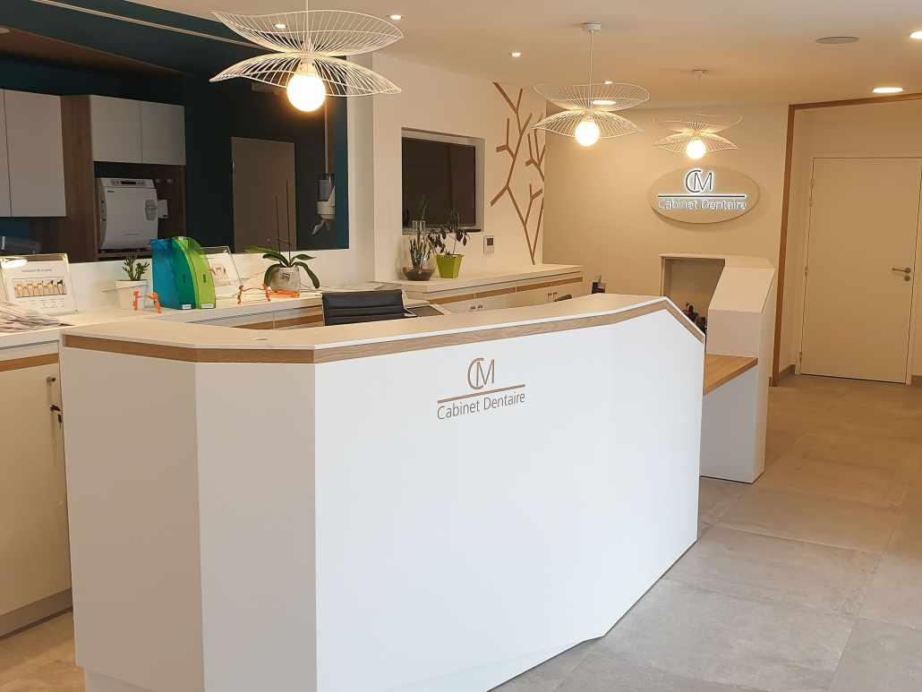 Banque d'accueil cabinet dentaire Loire Atlantique