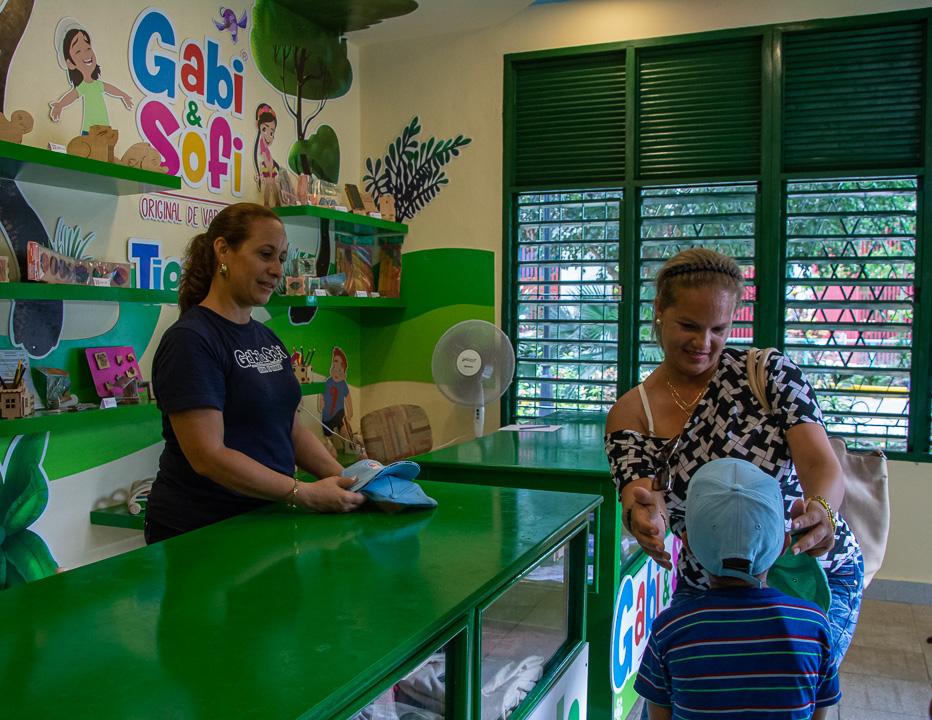 Gaby & Sofi en el zoológico de Camagüey