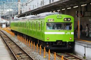 green-train-219618_1920