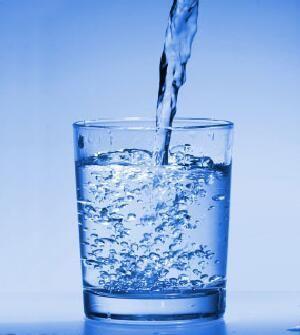 El tomar agua adelgaza