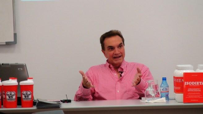Jaime Brugos durante su conferencia