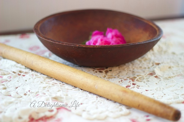 A-DELIGHTSOME-LIFE-DOUGH-BOWL-AND-ROLLING-PIN