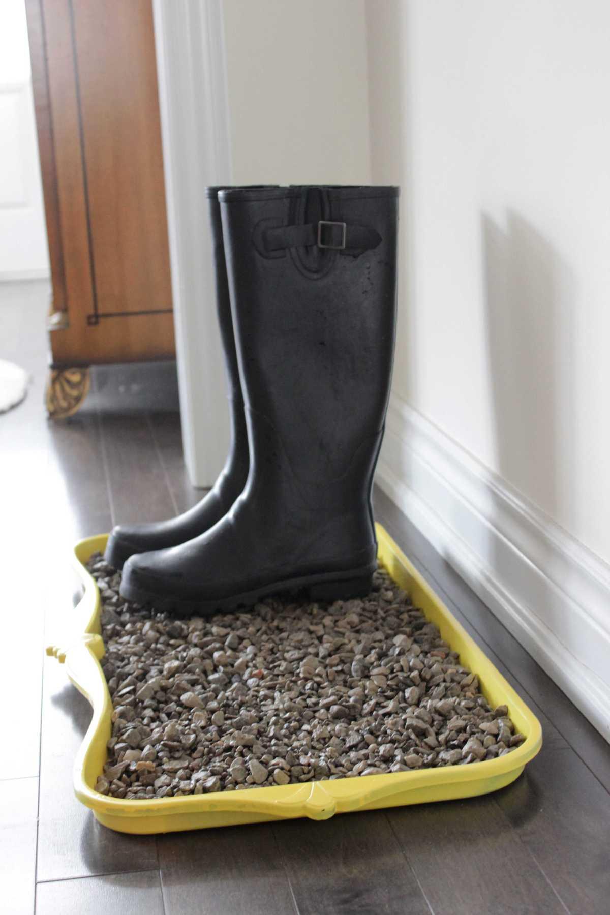 DIY Rain Boot Tray