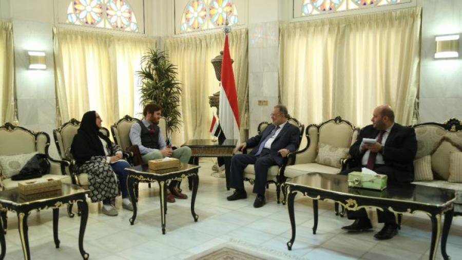 وزير الخارجية يؤكد دعم الحكومة لجهود ومقترحات المبعوث الاممي الى اليمن