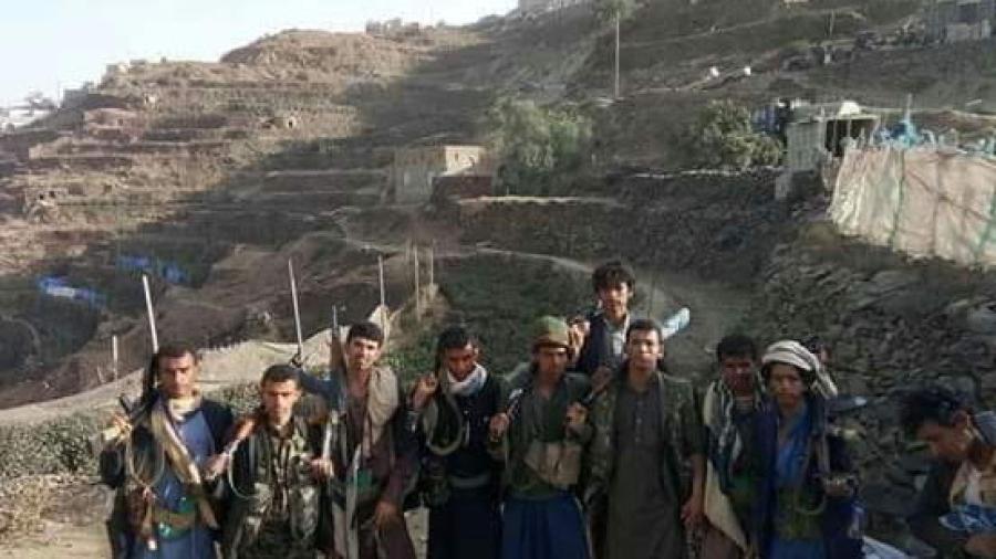 بإمكانياتها البسيطة.. مقاومة حجور تسقط طائرة مسيرة تابعة لمليشيا الحوثي وتحرز تقدمات كبيرة