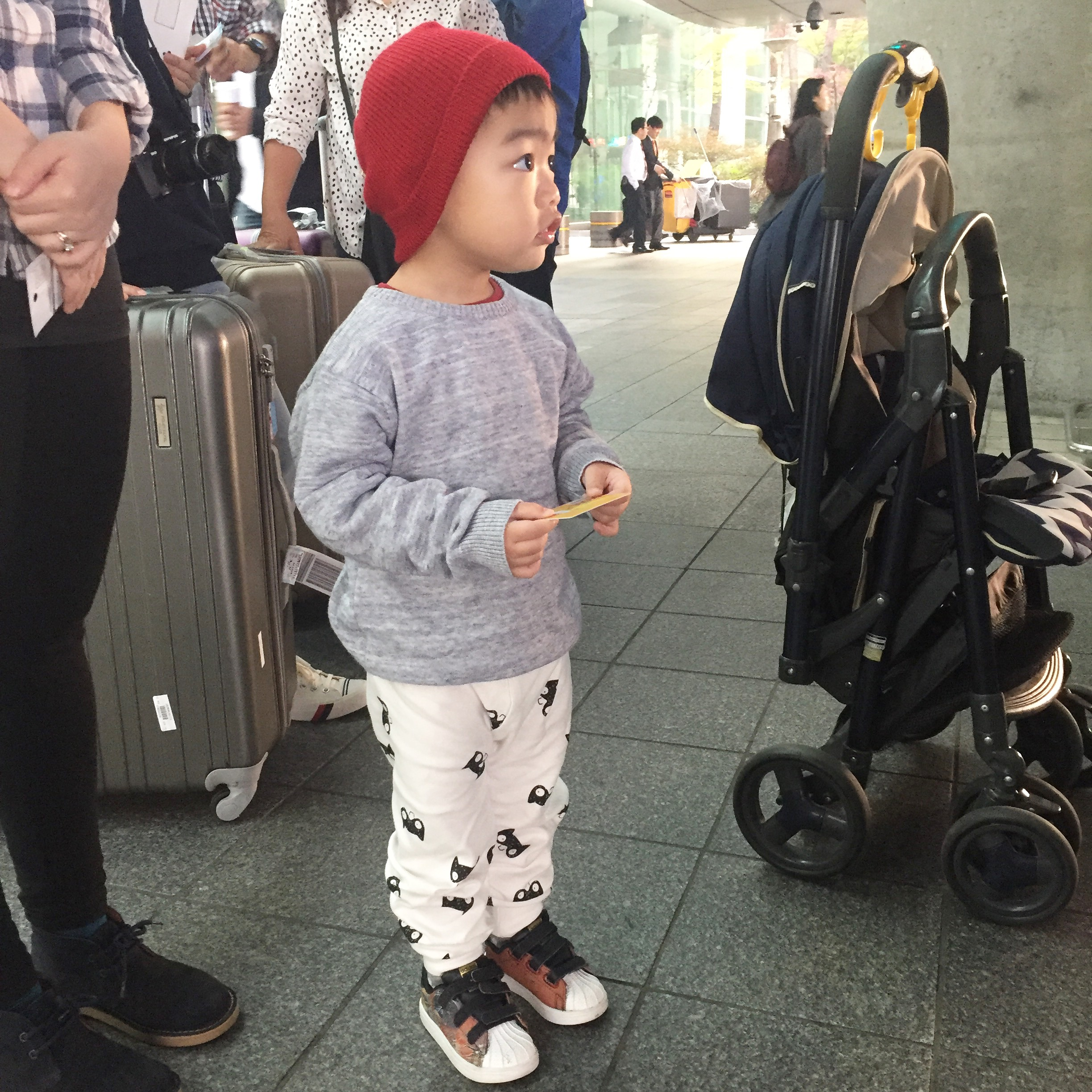 997728310 Travelling to Seoul with a toddler