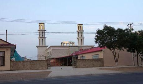 """清真寺""""中国化"""" 寺顶圆形建筑被拆除(图)"""