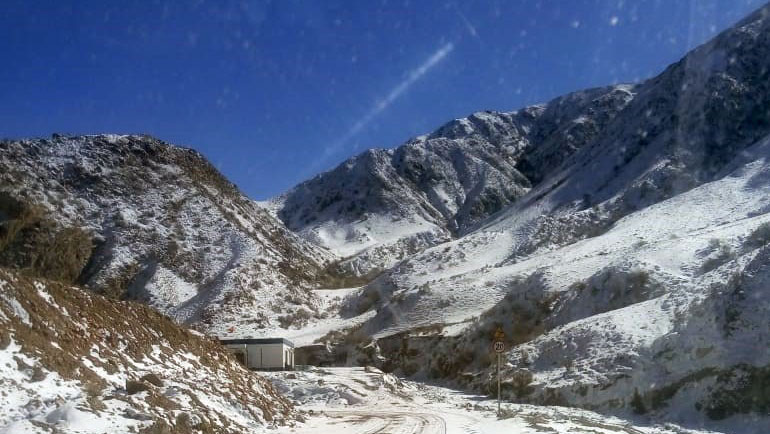 阿克苏通往吉尔吉斯斯坦的边境公路,沿途不准拍照,每十公里一个检查站