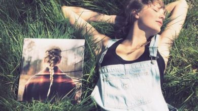 Photo of Taylor Swift's 'Evermore' Album Vinyl Crushes U.S. Record For Biggest Sales Week
