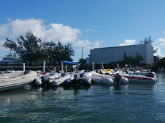 Crowded dinghy dock behind the Exuma market