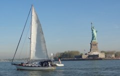 Tai Chi and Lady Liberty (photo taken by Marsea)