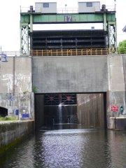 Tallest lock - 40 foot rise