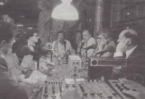 Welingelichte Kringen in Arti Aan het hoofd van de tafel Joop van Tijn. Naast hem rechts Hugo Brandst Corstius Foto: Bert Verhoeff