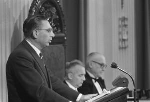 Jan Lamberts (PvdA) aan het woord in de Tweede Kamer