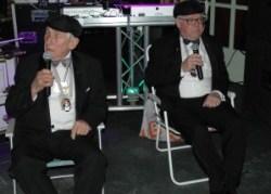 Frans Wolf en Theo Berendsen als zingende Hereboeren