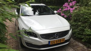 Volvo V60 Hybride in vol ornaat