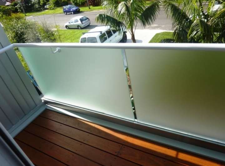 Acid Etch Glass Balustrade