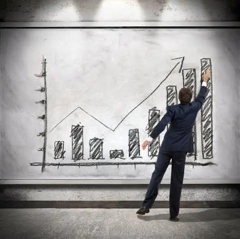Beneficios de invertir en un asistente virtual