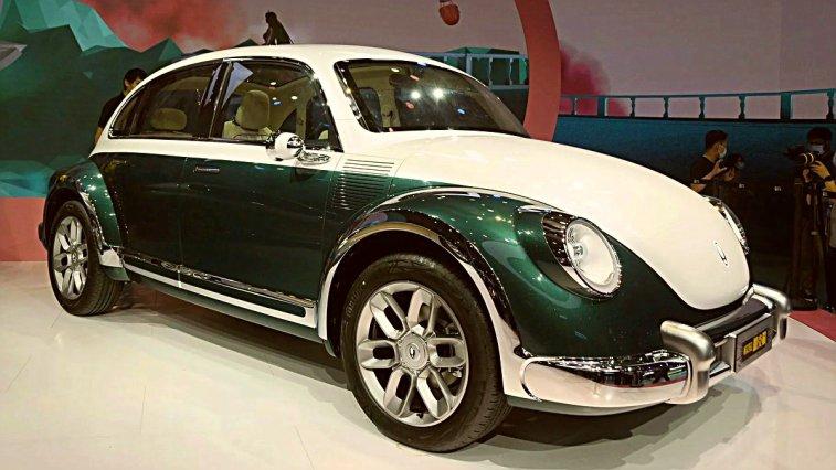 Ülkemizde Vosvos olarak tanıdığımız klasik Volkswagen Beetle, Çinli marka Ora'nın imzasını taşıyan bir konsept çalışmasıyla dört kapılı bir elektrikli araç olarak geri döndü. İşte konseptin tasarımı: