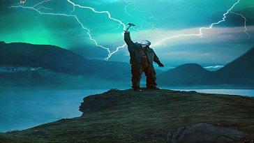 Netflix, İskandinav mitolojisine dayanan popüler fantastik dizisi Ragnarok'un 2. sezon ilk fragmanını yayınladı. 1 dakika uzunluğundaki fragman, ikinci sezonda gerilimin ve aksiyonun eksik olmayacağını gösteriyor.