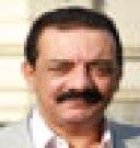 محمد عصمت كاتب صحفي مصري