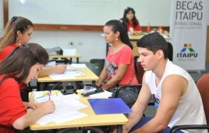 Del 2006 al 2018 fueron concedidas 15.600 becas por la Itaipú.