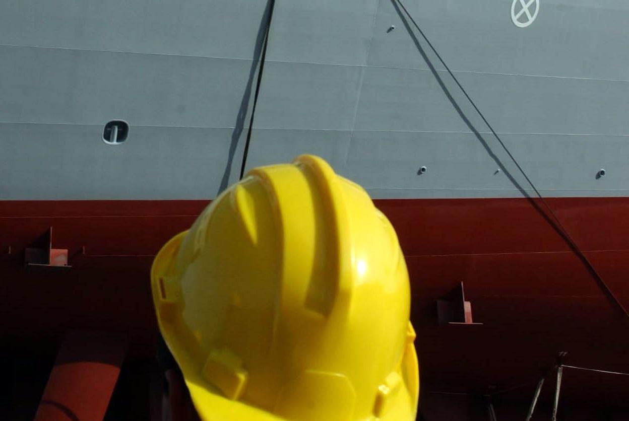 Risultati immagini per shipbuilding workers fincantieri
