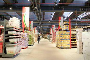 Federdistribuzione: Meno consumi e occupati senza liberalizzazioni nel commercio